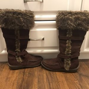 American Eagle Brown Boots with side zippers
